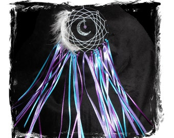 Dreamcatcher purple- turquoise in the middle a crescent and alexandrite gemstone bead