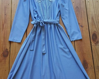 Vintage 80's Cathy Sue S perwinkle blue embroidered victorian inspired long sleeve midi dress w/ tie belt - 1980's