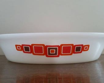 Vintage Agee Crown Australian Pyrex 'Moderne' divided casserole dish