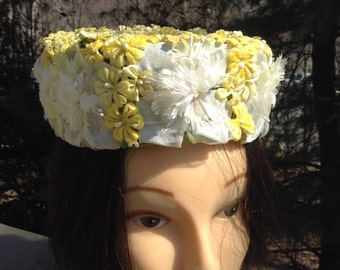 Vintage Floral Pillbox Hat Yellow White Chrysanthemum