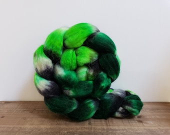 Superwash Bfl- bluefaced leicester- combed- wool top- roving- 4oz- Hand Painted-Hand Dyed- I'll get you my Pretty