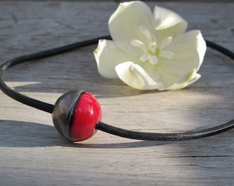 Essential oil diffuser necklace. Hypoallergenic clay diffuser. Ceramic and leather necklace.
