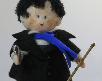 Sherlock-Famous english Detective-Film - blue scarf- stick-magnifying glass-handmade-magnifying glass