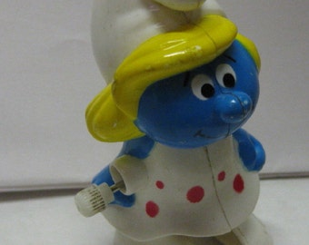 Vintage 1982 Smurf Smurfette Walker Plastic wind up toy winds but doesn't walk