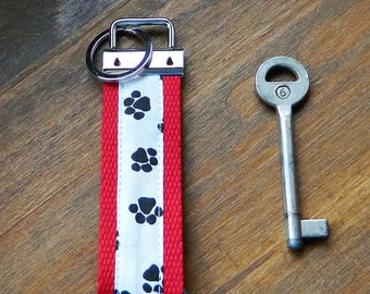 Webbing keys fobs, Fabric Wrist let, Paw print key fob, Key carrier, accessory carriers, Token gift, Best selling items, black and white