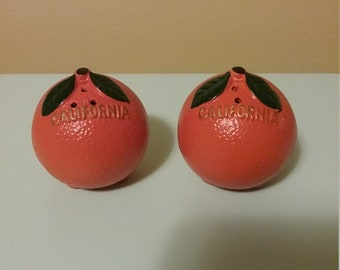 Vintage California Oranges Souvenir Salt & Pepper Shakers