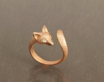 furred baby fox ring  14 kt. gold. diamond eyes