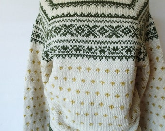 80s 90s vintage hand knit fair isle color work sweater; handmade cream intarsia wool raglan sleeve jumper; knit ski sweater