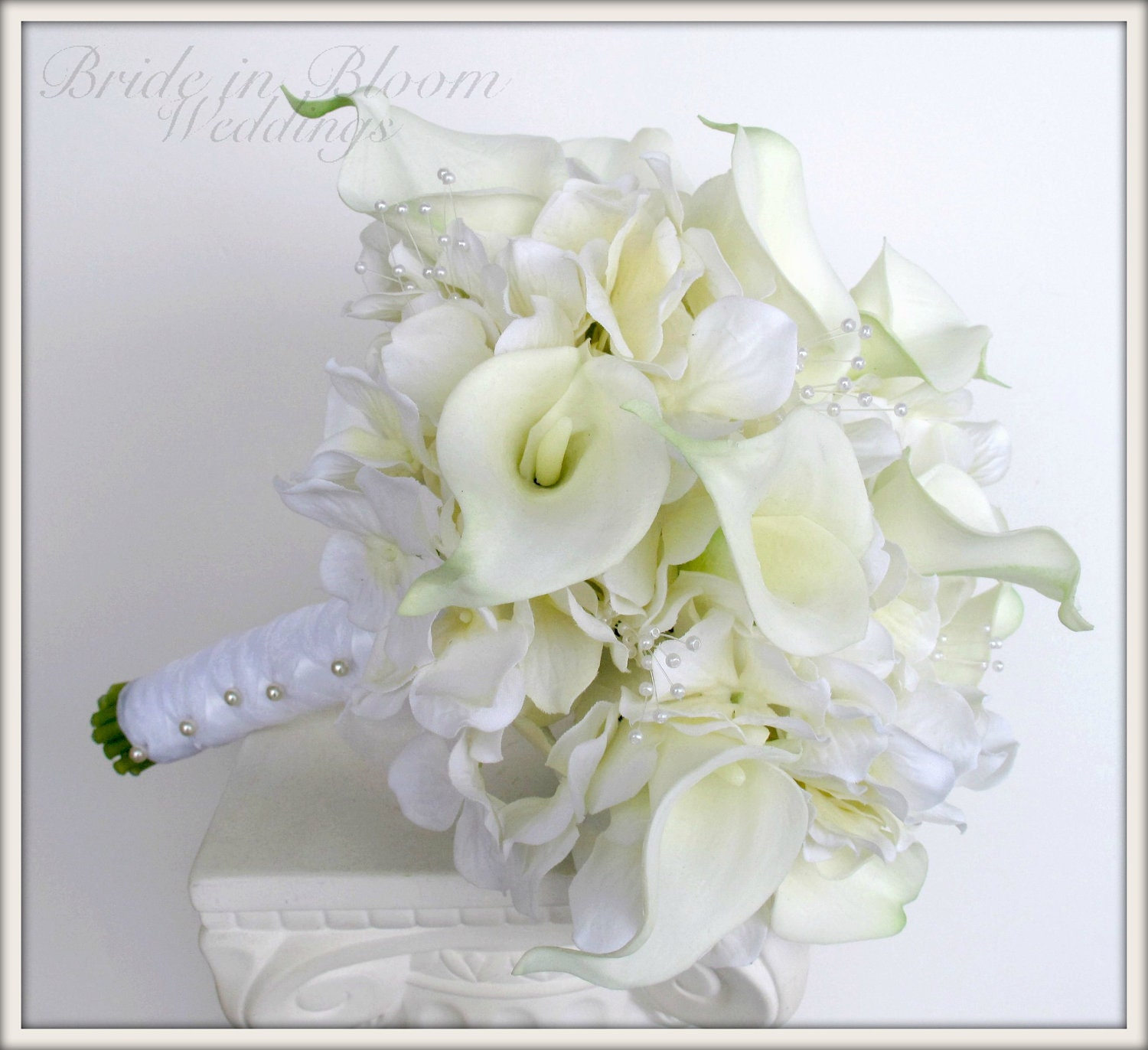 Brides wedding bouquet white calla lily bridal bouquet zoom izmirmasajfo