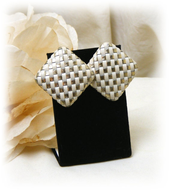 """Vintage """"WHITE ON GOLD"""" Studs Pierced Earrings . . White & Gold Woven Leather Strip"""