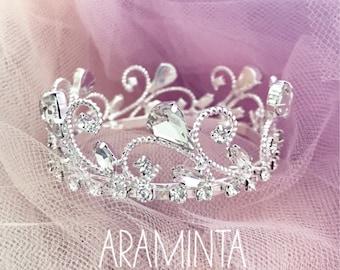 Baby Girl Crown & Newborn Crown. Newborn, 1st Birthday crown, Cake Smash, Photoshoot, Newborn Photo Prop, Tiara, Girls Birthday, Princess