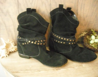 vintage black suede leather Slouch Boots with brass studs .. Grunge Indie hipster COOL Size 8