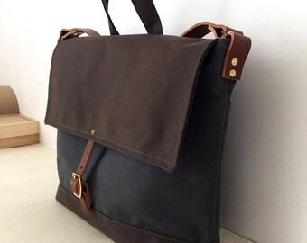 COURIER BAG | Unisex Messenger Bag | Waxed Canvas Leather | Men's Diaper Bag | Laptop Bag | 4 Pockets Grey | Made To Order
