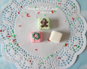 FAUX Petit Four CHRISTMAS Holiday Fake Mini Cakes Tea Party Food Prop Photo Kitchen Decor