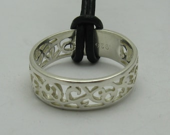 Sterling silver pendant solid 925 ring band with leather