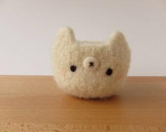 Prim Polar Bear Felted Woolen Bowl