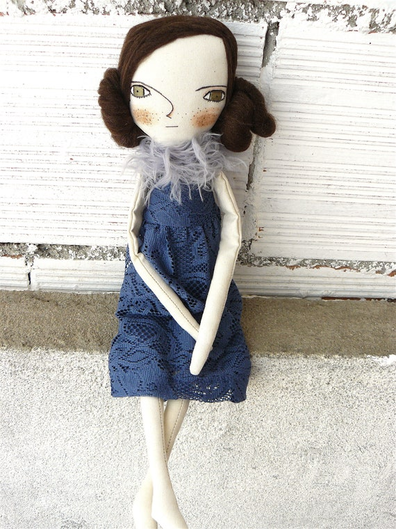New more stylized model. Art doll in cotton. Wool hair. 16,5 inches. Brown hair