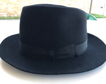 Vintage Black Fedora Hat. Fedora. Vintage Fedora. Made in Italy. Worth and Worth.