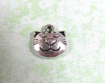 10 Antique Silver Kitty Face Charms 14x13mm (B333k)