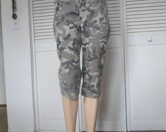 Cargo Pants, Camouflage, Cropped, Hippie, Capri, Army Fatigue, Size 13, Army Green, Skinny Tight Leg, utility vintage