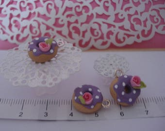 """""""Donuts blackcurrant"""" charm in polymer clay decorated with a sweet pink"""