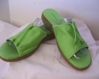 SALE 20% Off  Grasshopper //  Keds Sandals Women's Size 11  Pretty Grass Green  Summer Beach Resort Wear