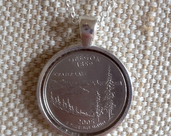 USA special quarter coin pendant / 2005 Crater Lake Oregon coin / silvertone setting with chain
