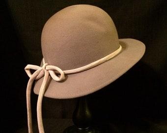 Vintage Liz Claiborne Gray Wool Fedora Hat With Beige Ribbon Tie