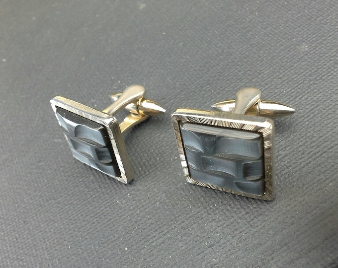 Vintage Stratton England Square Gilt Cufflinks Cuff Links Pale Gold with Modernist Silver Grey Lucite Top 1970's