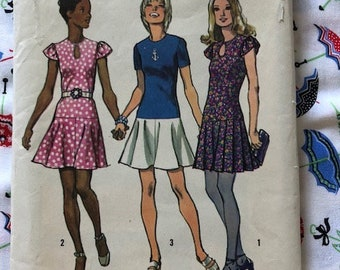 Vintage 1970s Simplicity  Sewing Pattern 9862 Minidress in three versions sz 8 bust 31 1/2 waist 23