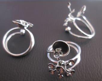 a silver adjustable cabochon ring holder / 3 to 8 mm rhinestones