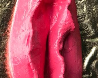 vagina pendant, 2.5 inches