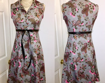 1970s Grey Pink Floral Dress Sleeveless button front Large collar size Medium