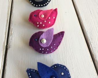 Felt bird brooch. Handmade brooch. Gift for her. Brooch.