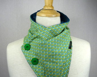 cowl scarf, green and yellow pattern with buttons