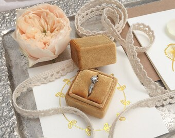 Velvet ring box - Vintage ring box - Wedding gift - Gold - FREE SHIPPING