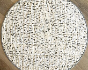 Round, Quilted Baby Play Mat - Spots