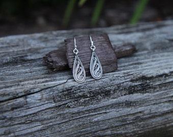 Silver Filigree Earrings, Teardrop Earrings, Filigree Teardrop, Silver Drop Earring, Simple Earrings, Short Earrings, Sterling Dangle