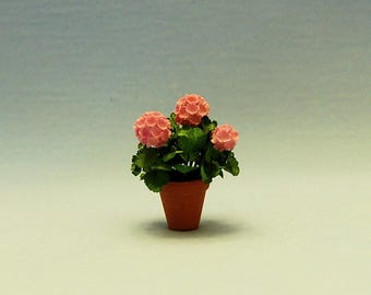 1 inch scale miniature-Geranium
