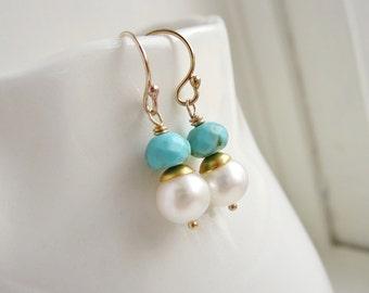 Türkis und Perle Ohrringe brautjungferngeschenk für ihre Türkis Ohrringe Silber oder Gold Ohrringe zierliche Brautjungfer Ohrringe