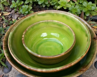 Set of 3 Elegant Bright Green Bowls, Soup, Salad, Cereal or Serving Bowls