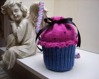 Frozen Anna cupcake handbag