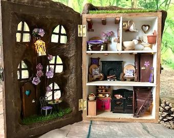 LITTLE LODGE: U0027SUMMERu0027 Small Scale, Decorative 1/24 Fairy House/