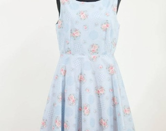 Floral summer dress in cotton.