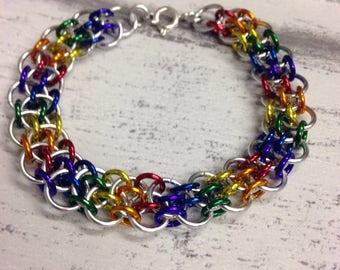 Rainbow and silver dragonsteps chainmaille bracelet