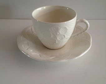 Mikasa Flower Basket White EE900 Cup and Saucer Set; New Vintage