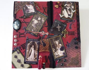 """clock wall Gothic theme, """"Favole tarot"""" black and Red"""