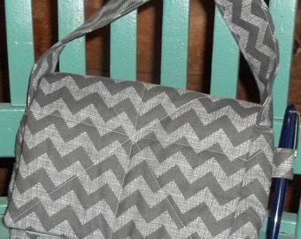 """Zig Zaf Fabric no longer Availabel Coupon Organizer Tote Bag Quilted Sorts Coupons w Key and Pen Holder 7' 'x 9"""" X 2"""" wide Purse fabric"""