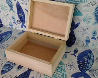 Unfinished Poplar Box 9 x 6 1/2 x 4 inches Luan ply top and bottom (10 L B)