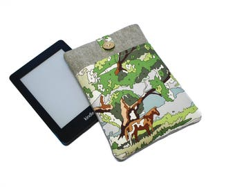 Kindle Paperwhite Case, Nook Glowlight Plus Case, Paperwhite Pouch, Kindle Cover, Kindle 6 Inch Case, Kindle Sleeve, Paperwhite Cover, Horse